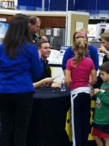 Scotty McCreery Signs Autographs at Best Buy